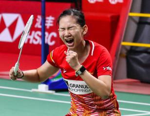 World Tour Finals: Tai Succumbs to Chochuwong