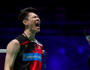 All England: Lee Breaches the Fort